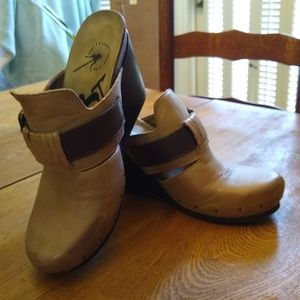 OTBT Size 8 Leather Clog, Mule, Wedge; Perfect!